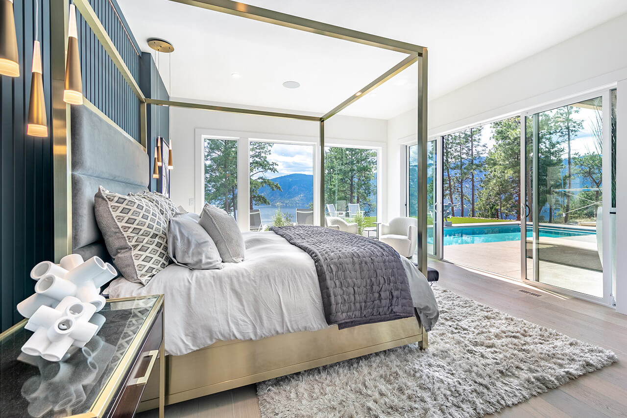 Kelowna_Finishing_Carpentry_Green_Triangle_Contracting_Lake_Country_Modern_Bedroom
